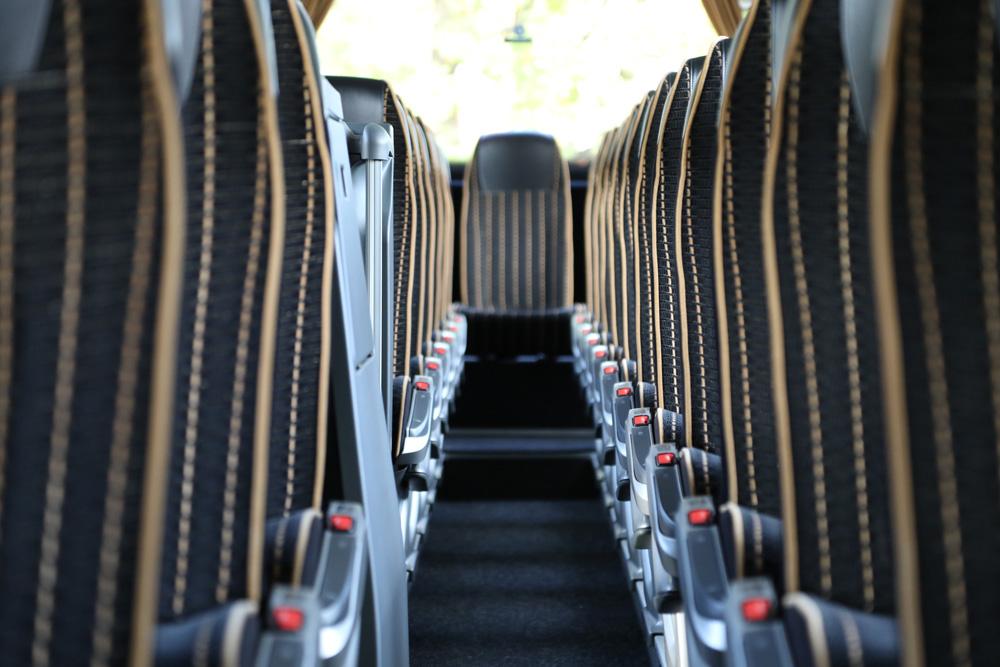 Reisebus Sitzreihen - Taxi & Busreisen Kückelheim